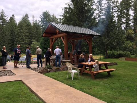 Cowlitz chapter members enjoying picnic at Andrews Tree Farm