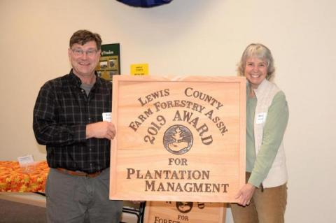 Bruce & Mary McDonald with their 2019 award for Plantation Management