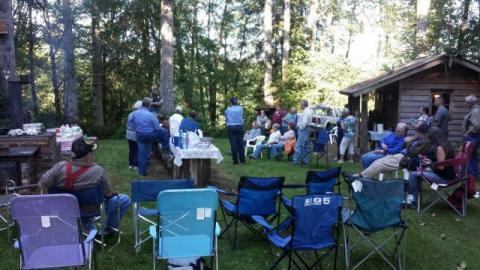 Members enjoy picnic at the Pattillo Tree Farm