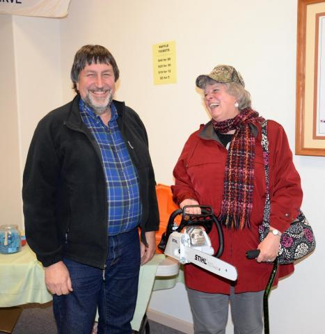 Steve & Marilyn Barnowe-Meyer, happy winners of the chain saw at the 2017 raffle